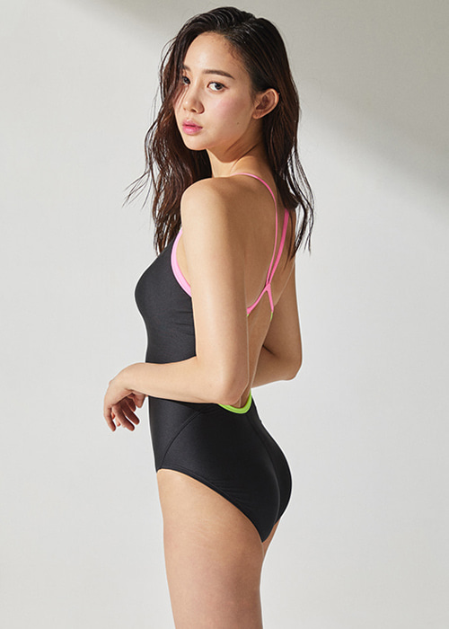 [5%쿠폰]배럴 우먼 레이싱 핏 V 백 스트랩 스윔슈트 BARREL WMS RACING FIT V BACKSTRAP SWIMSUIT_BWHWSWO016_BLACK/NEON YELLOW_NB6884ZI