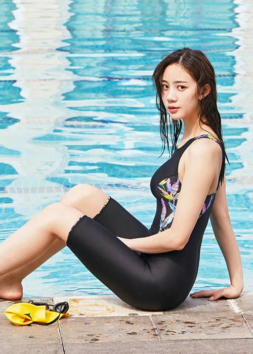 [5%쿠폰]배럴 우먼 레이싱 테크 패턴 스윔슈트 BARREL WMS RACING TECH PATTERN SWIMSUIT_BWHWSWO008_BLACK/NEON FLOWER_NB6883AX